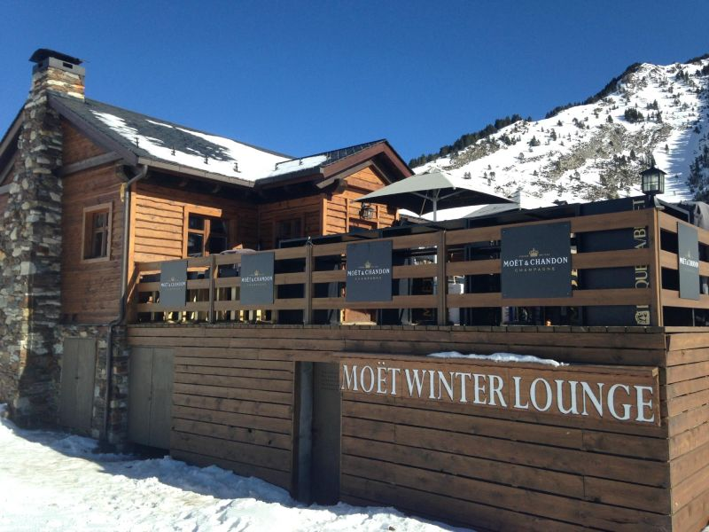 moet-chandon-winter-lounge