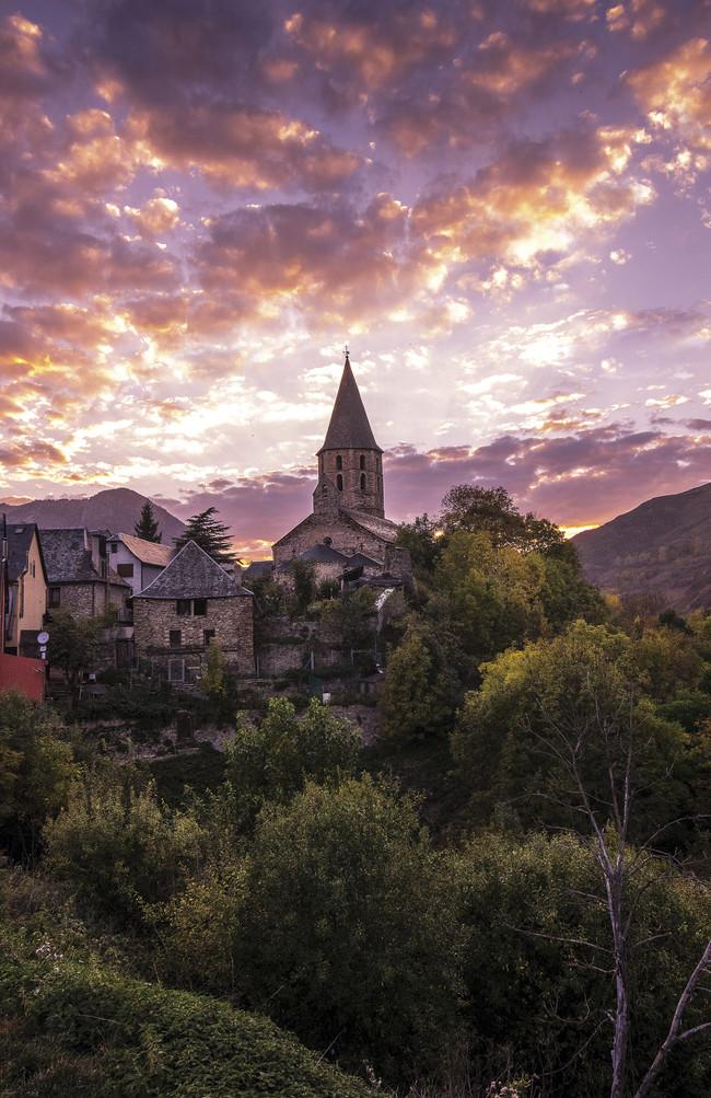 Atardecer y arte románico en el Valle de Arán