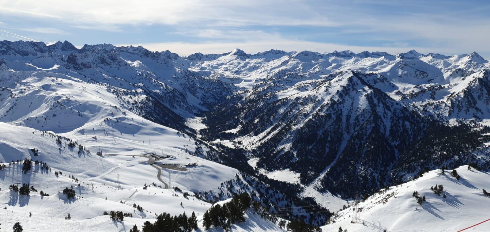 La mejor nieve para esquiar está en Baqueira Beret