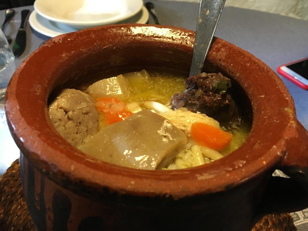 Olla aranesa Restaurante Eth Restilhe